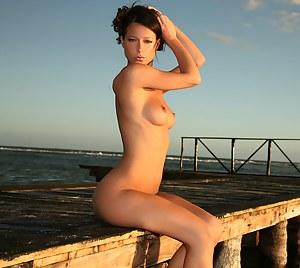 Girls Beach Porn Pictures