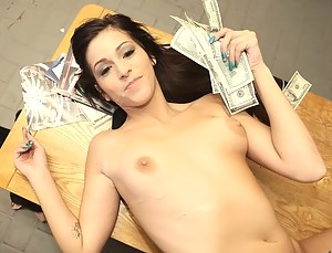Girls Money Porn Pictures